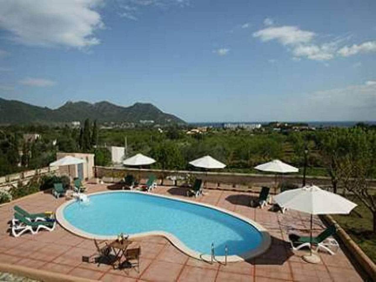 6 soverom Villa til salgs i Cala Bona - € 1 490 000 (Ref: 3442893)