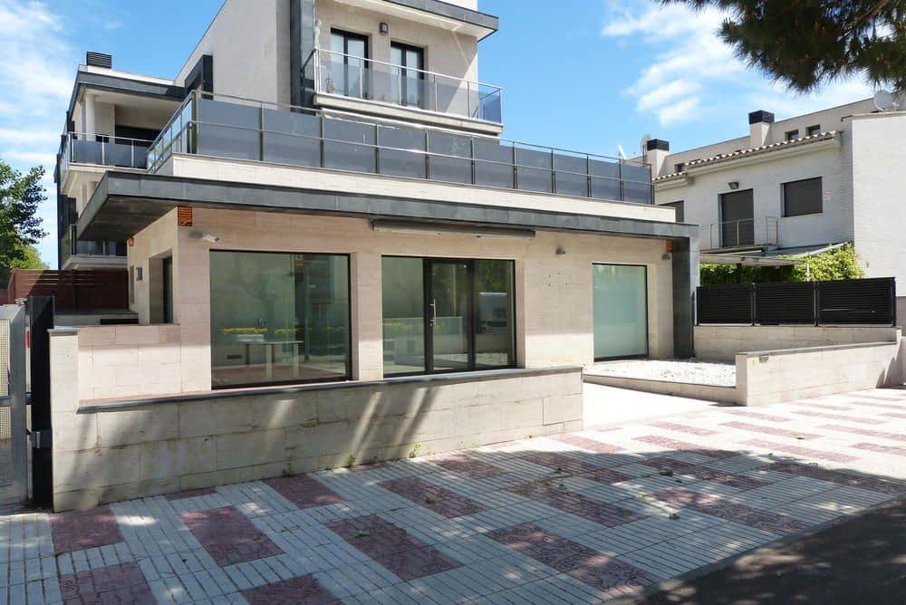 2 camera da letto Commerciale in vendita in Platja d'Aro con piscina - 145.000 € (Rif: 4457588)