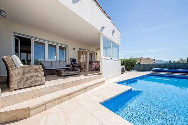 4 bedroom Villa for sale in Roses with pool - € 520,000 (Ref: 5513986)