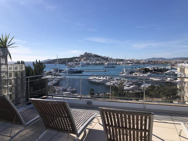 Apartamento de 2 habitaciones en Ibiza / Eivissa ciudad en venta con piscina garaje - 1.250.000 € (Ref: 4803131)