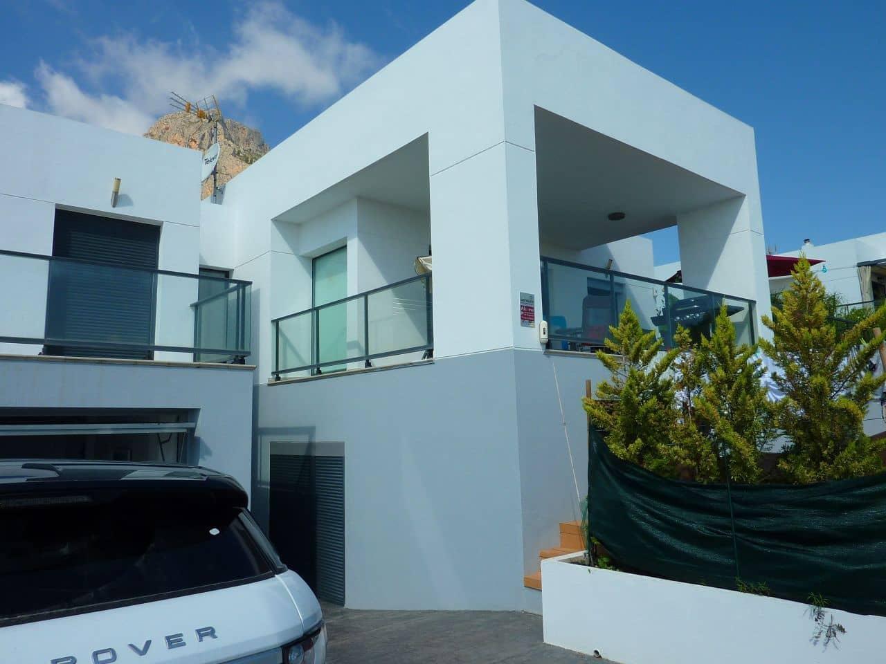 Chalet de 3 habitaciones en Polop en venta con garaje - 355.000 € (Ref: 5032965)