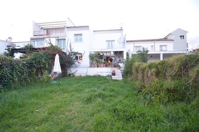 3 sovrum Villa till salu i Guadiaro - 370 000 € (Ref: 3109878)