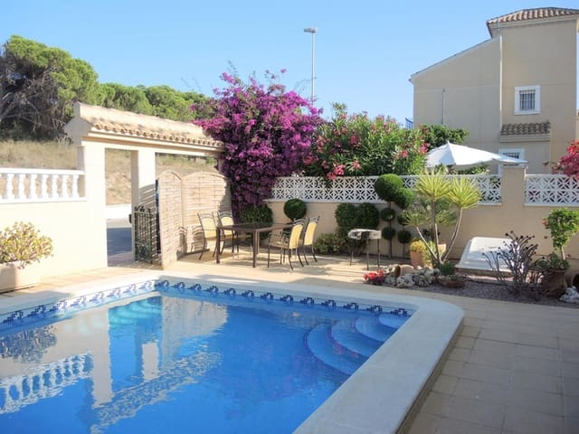 5 soveværelse Villa til salg i Guardamar del Segura med swimmingpool garage - € 350.000 (Ref: 5452862)