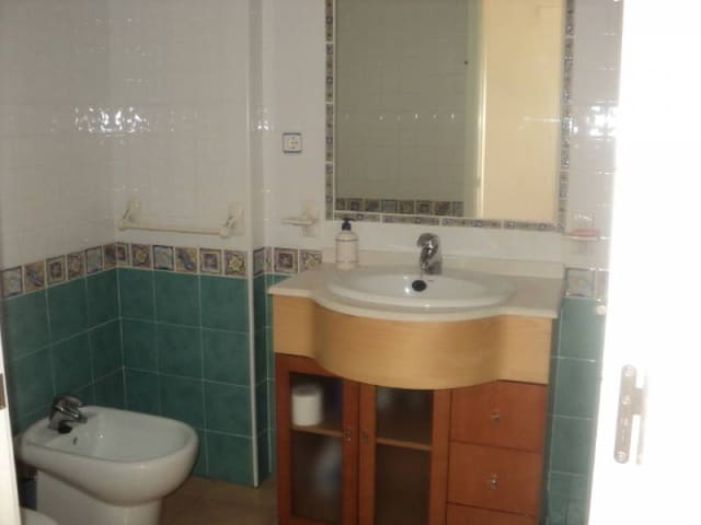 2 slaapkamer Flat te huur in Playa Honda met zwembad garage - € 425 (Ref: 4873271)