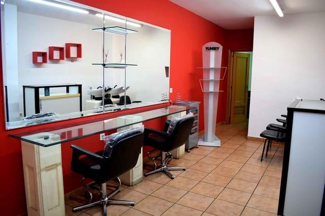 1 soverom Bedrift til leie i Oliva - € 350 (Ref: 5563071)