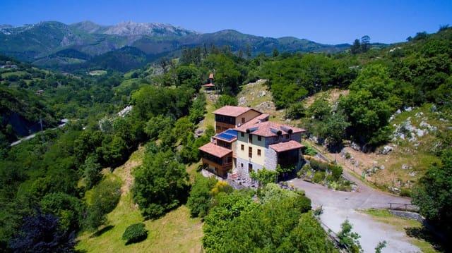 12 sypialnia Hotel na sprzedaż w Arriondas - 1 200 000 € (Ref: 4822251)