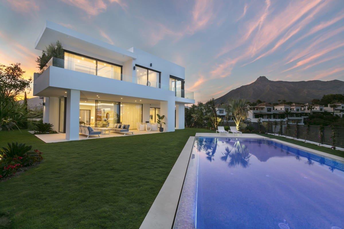 4 bedroom Villa for sale in Marbella with pool garage - € 3,200,000 (Ref: 3891469)