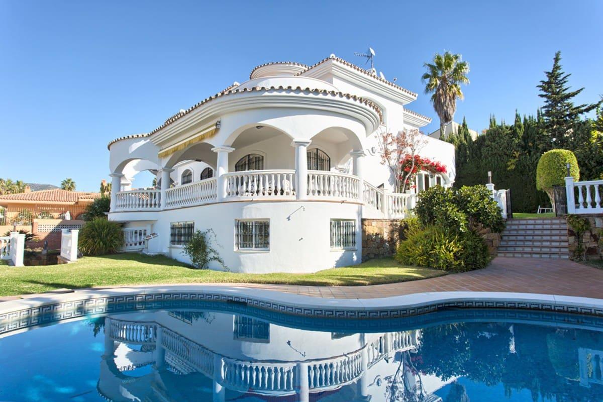 4 bedroom Villa for sale in Benalmadena with pool garage - € 1,295,000 (Ref: 3891533)