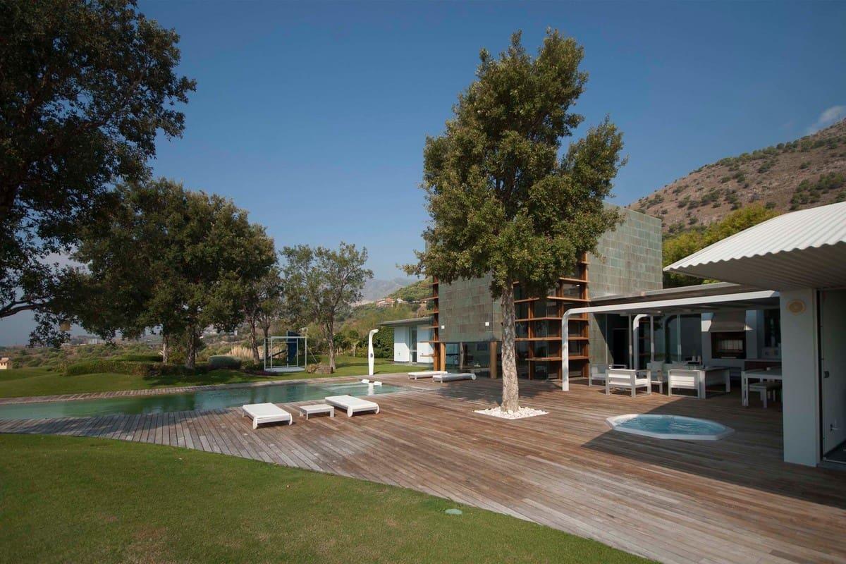 3 bedroom Villa for sale in Benalmadena with pool garage - € 4,900,000 (Ref: 4092210)