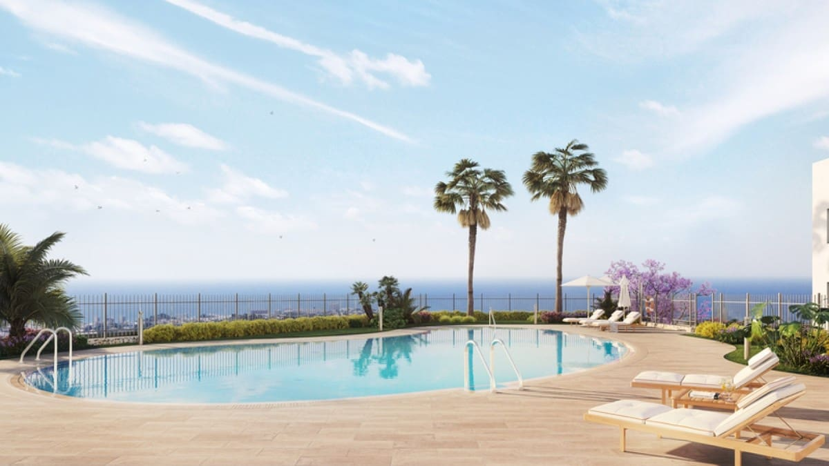 2 bedroom Apartment for sale in Benalmadena with pool garage - € 206,000 (Ref: 4094637)