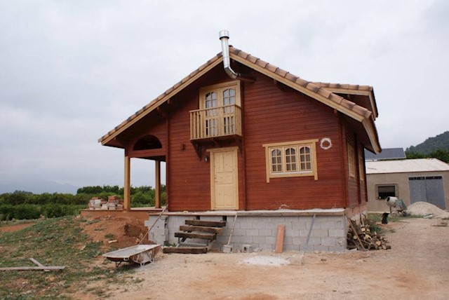 Chalet de 4 habitaciones en Alfauir en venta con piscina garaje - 250.000 € (Ref: 2857022)