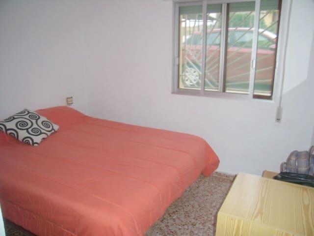 4 soveværelse Villa til salg i Pla de Corrals med garage - € 130.000 (Ref: 4698089)