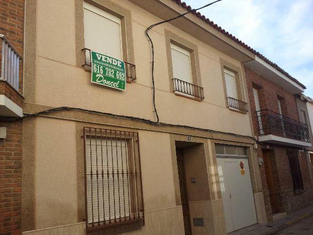 6 sovrum Hus till salu i Calzada de Calatrava med garage - 160 000 € (Ref: 1679601)