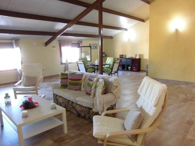 Casa de 4 habitaciones en Villarrubia de los Ojos en venta con garaje - 115.000 € (Ref: 3850197)