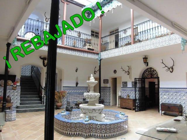 8 soveværelse Byhus til salg i Fuente el Fresno - € 215.000 (Ref: 3850224)