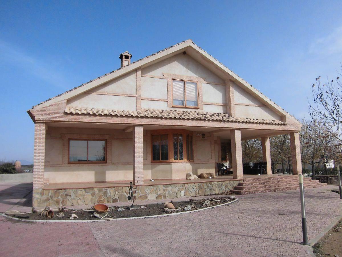 4 sovrum Villa till salu i Fernancaballero med garage - 318 000 € (Ref: 3850401)