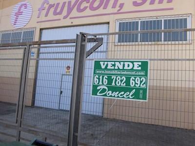 3 bedroom Business for sale in Miguelturra - € 250,000 (Ref: 3984424)