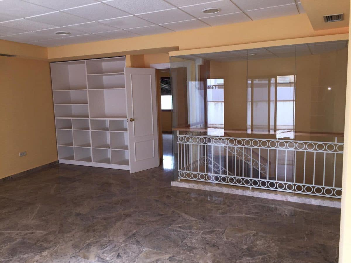4 soverom Kontor til leie i Ciudad Real by - € 650 (Ref: 5298017)