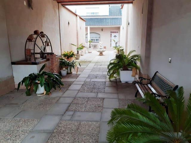 Chalet de 5 habitaciones en Carrión de Calatrava en venta con garaje - 285.000 € (Ref: 5978981)