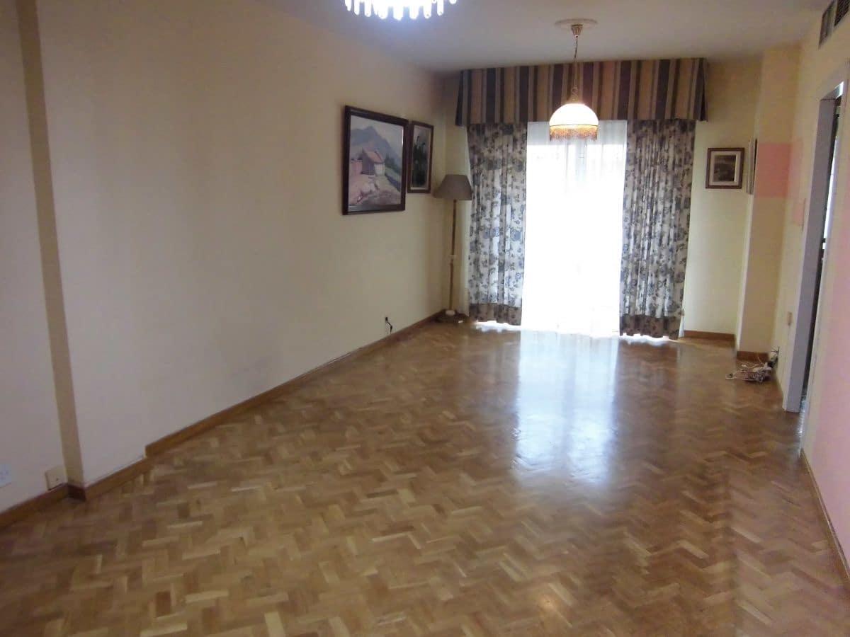 4 soveværelse Lejlighed til leje i Ciudad Real by med garage - € 600 (Ref: 6041589)