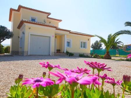 Chalet de 4 habitaciones en Beniarbeig en venta - 382.000 € (Ref: 4169616)