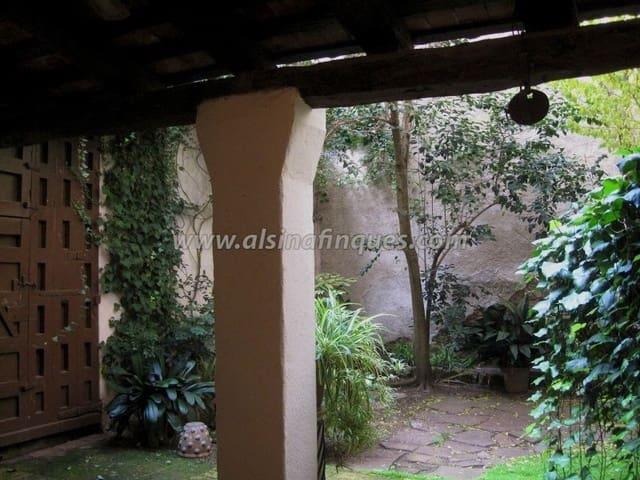 5 bedroom Villa for sale in Lloret de Mar - € 390,000 (Ref: 5238894)