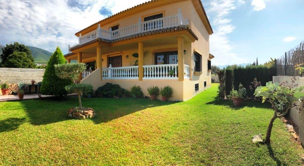 Chalet de 7 habitaciones en Alhaurín el Grande en venta con piscina garaje - 472.000 € (Ref: 4915488)
