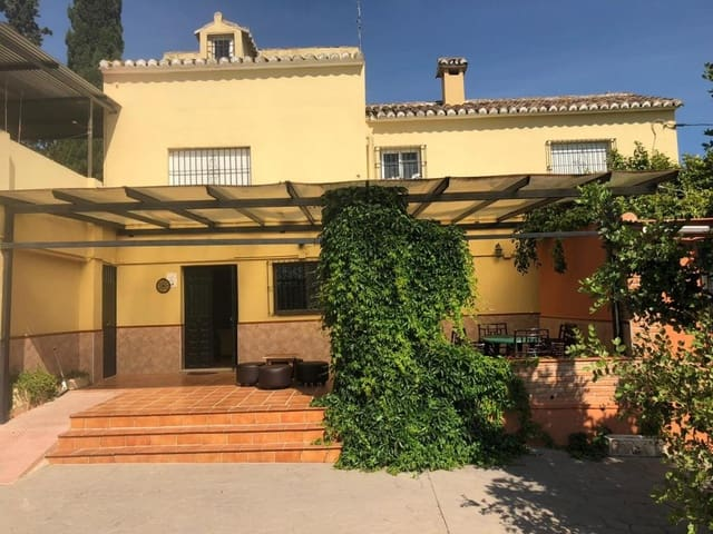 7 chambre Villa/Maison à vendre à Alora avec piscine - 230 000 € (Ref: 5222102)