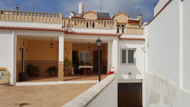 5 soveværelse Rækkehus til leje i Cuevas de San Marcos med swimmingpool - € 700 (Ref: 6026504)