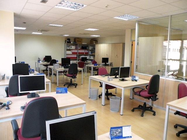 Bureau à vendre à Santiago de Compostela - 170 000 € (Ref: 3630326)