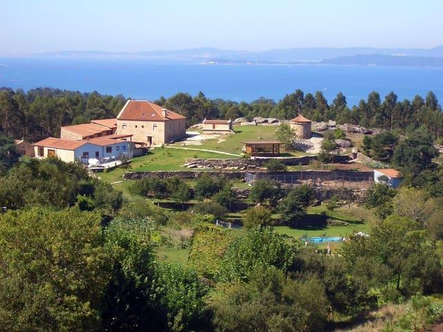 13 sovrum Finca/Hus på landet till salu i Catoira med garage - 990 000 € (Ref: 3630346)