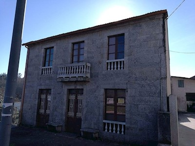 5 bedroom Finca/Country House for sale in A Bana with garage - € 150,000 (Ref: 3630758)