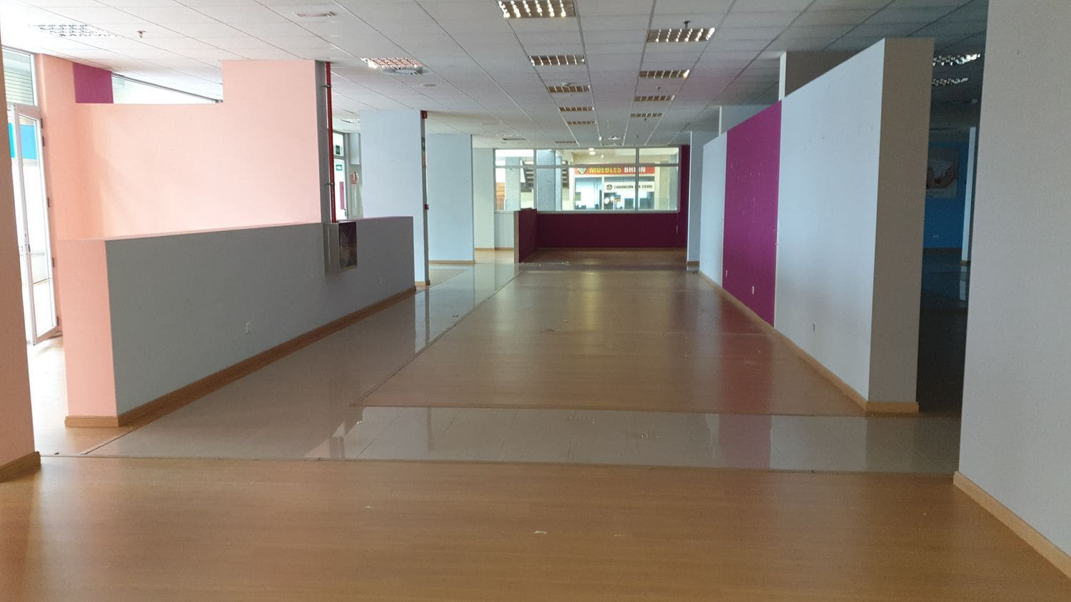 Commercial for sale in Brion - € 848,000 (Ref: 5028294)