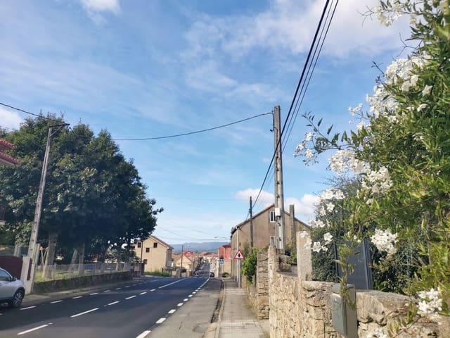 5 bedroom Townhouse for sale in Rianxo with garage - € 288,000 (Ref: 5621898)