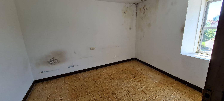 3 bedroom Townhouse for sale in Santiago de Compostela with garage - € 130,000 (Ref: 6135806)
