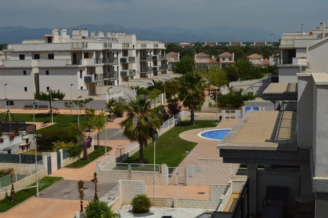 3 bedroom Apartment for sale in Sant Jordi with pool - € 95,000 (Ref: 3395165)