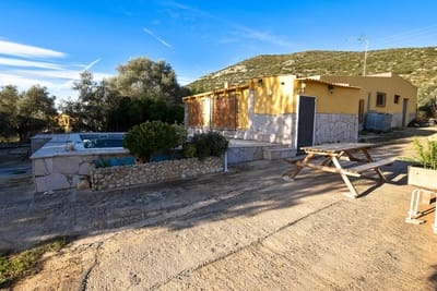 4 bedroom Villa for sale in Ulldecona with pool - € 99,000 (Ref: 4455760)