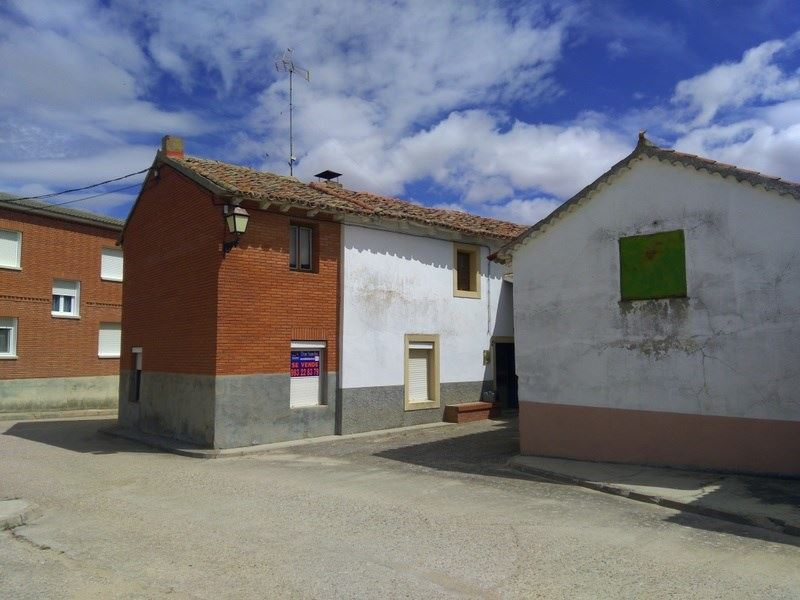 3 bedroom Townhouse for sale in Villan de Tordesillas - € 50,000 (Ref: 4023545)
