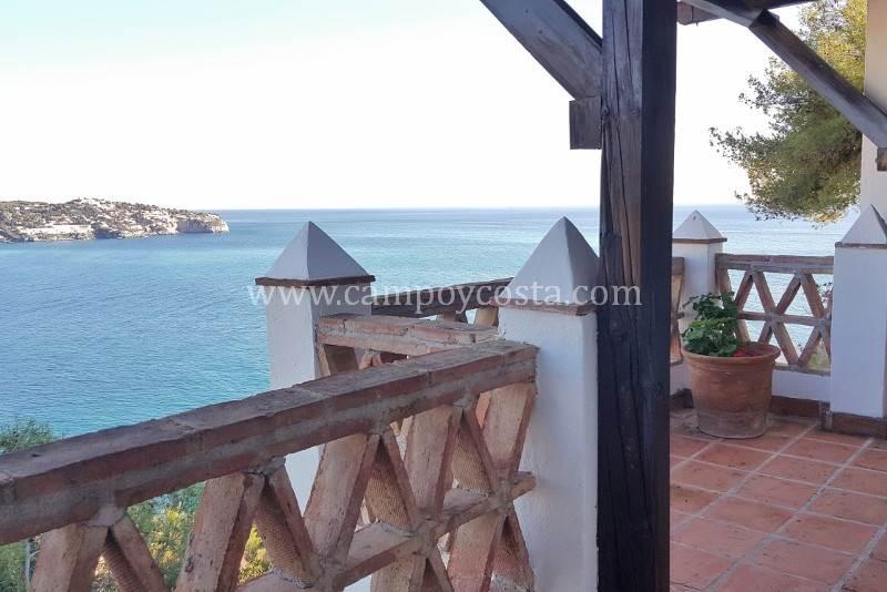 4 slaapkamer Rijtjeshuis te huur in La Herradura met garage - € 900 (Ref: 3702168)
