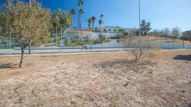 Finca/Casa Rural de 6 habitaciones en Manilva en venta con piscina garaje - 2.000.000 € (Ref: 2736413)