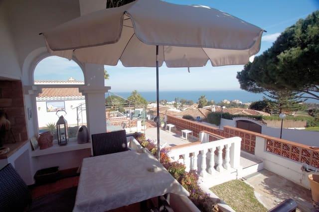 3 makuuhuone Huvila myytävänä paikassa La Duquesa / Puerto de la Duquesa mukana uima-altaan  autotalli - 315 000 € (Ref: 5930526)