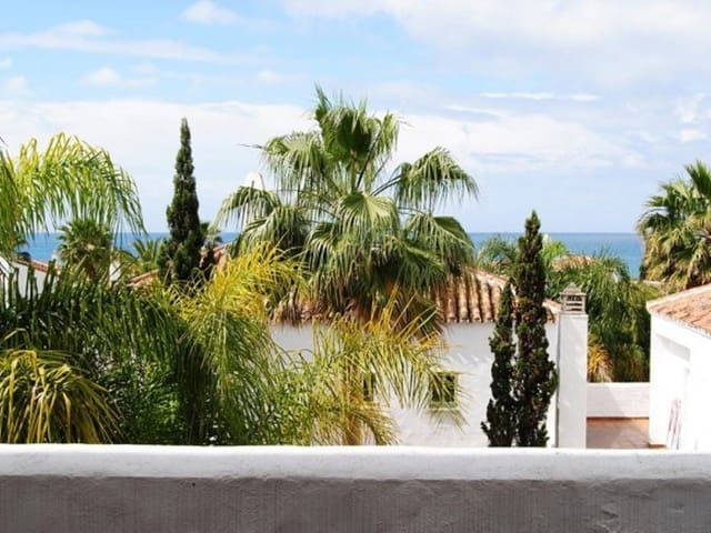 Apartamento de 4 habitaciones en Bahía de Marbella en alquiler vacacional con piscina garaje - 1.500 € (Ref: 3421794)