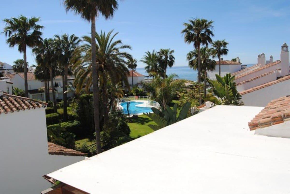 Casa de 4 habitaciones en Los Monteros en alquiler vacacional con garaje - 800 € (Ref: 3424544)
