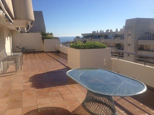 2 sypialnia Penthouse na kwatery wakacyjne w Puerto Banus z basenem garażem - 1 800 € (Ref: 3614509)