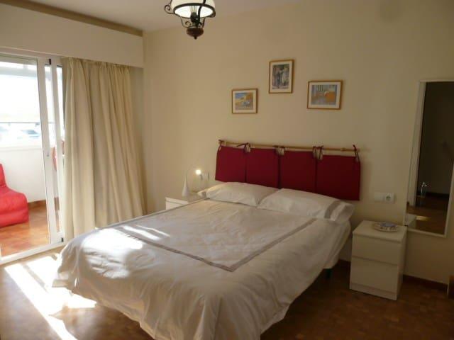 3 soverom Leilighet til salgs i Marbella med garasje - € 1 200 (Ref: 3873617)