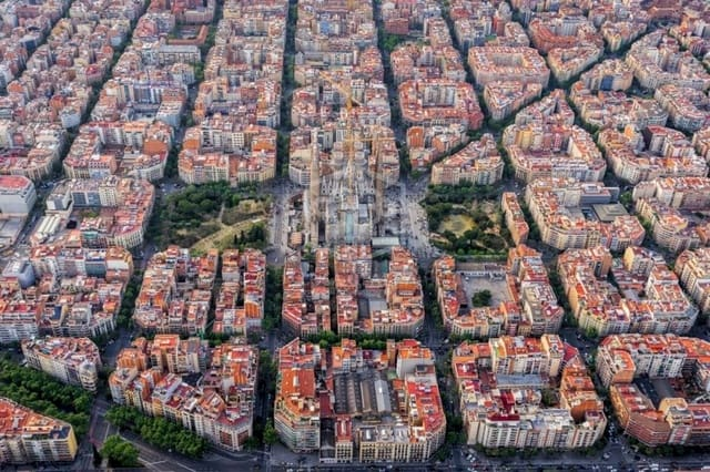 30 bedroom Commercial for sale in Barcelona city - € 5,500,000 (Ref: 5029716)
