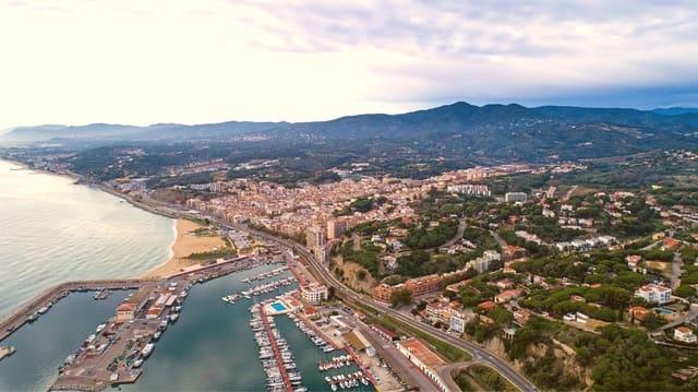Mark till salu i Arenys de Mar - 450 000 € (Ref: 5029802)