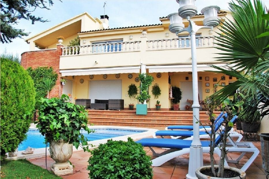 4 bedroom Villa for holiday rental in Calafell with garage - € 4,000 (Ref: 5171163)