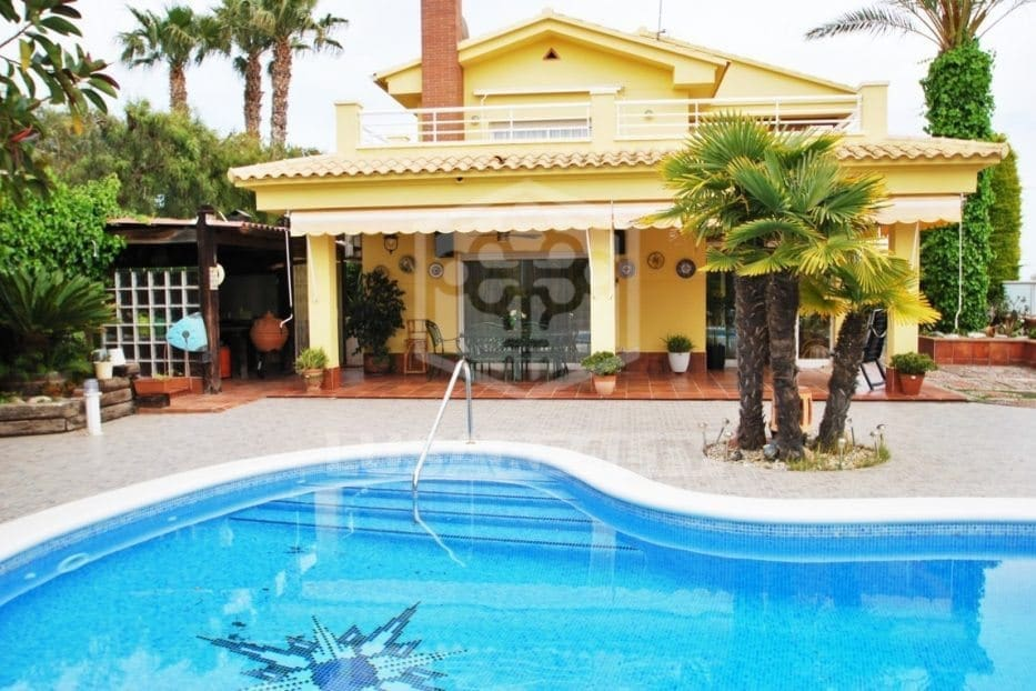 5 bedroom Villa for holiday rental in Calafell with pool - € 3,250 (Ref: 5171169)