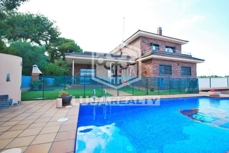 4 bedroom Villa for holiday rental in Coma-Ruga with pool garage - € 1,750 (Ref: 5171173)